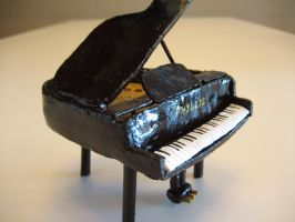 Piano for Phyllis by genevi