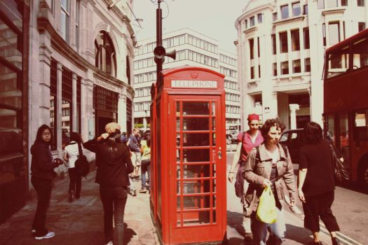 The red telephone booth by dracomalfloy