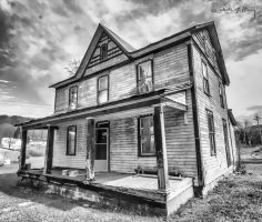Abandoned House - Ghost by cjheery