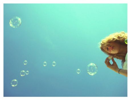 Loulou and the bubbles by Gravitatioon