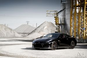 Nissan GT-R by alexisgoure