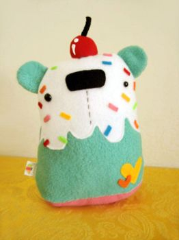 Minty Coloful Cupcake Bear by casscc