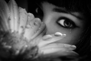 Tears and flowers by depicapica