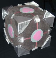 Companion Cube by LoopyWolf