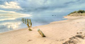 quite beach HDR by ShaunyeWest
