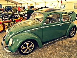 Green VW Beetle by Csipesz