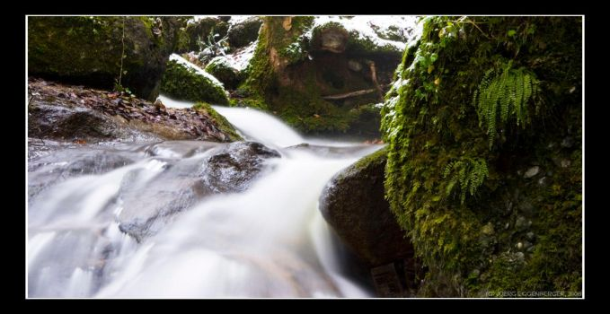 moss green by hepiladron