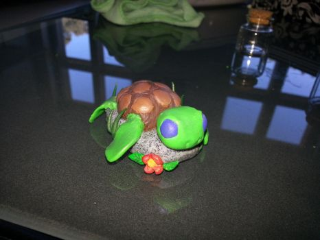 Polymer clay baby turtle by CharlinsArt