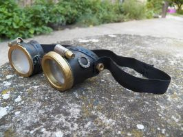 DIY steampunk goggles by Demon-of-Reflection