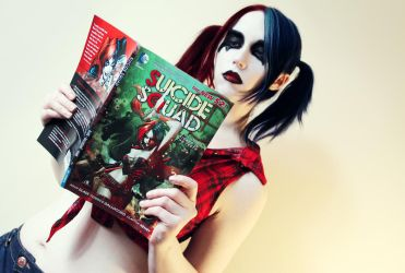 Harley reading Harley by Stephvanrijn