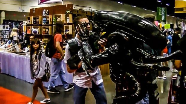 Randall the xenomorph at megacon by XenoOverKill