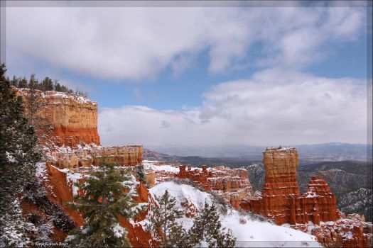 Bryce Canyon in the snow by aprileagle