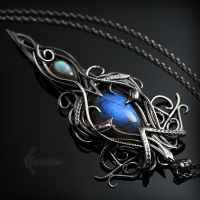 Necklace ELVINHERN - Silver and Labradorite by LUNARIEEN