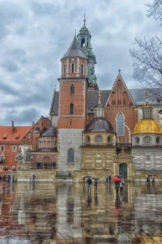 Cracow by PeachFlavorOwl