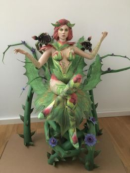 Poison Ivy Papercraft by giden445