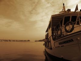 Dreaming on the Harbor by nadril83