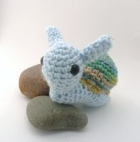 blue and gree snail amigurumi by e1fy
