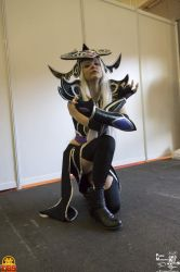 Syndra Cosplay - Toulouse Game Show 2017 by MyuIlliegon