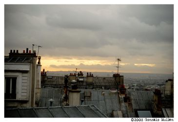 Paris Rooftops by gONZOm