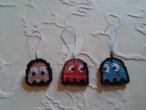 Pacman phone charms by iamatwin