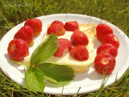 Strawberry-Cheese by kumArts