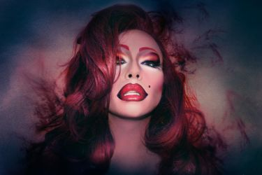 Maddelynn shadows by Zeiran