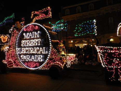 Main Street Electrical Parade: Mickey and Minnie by FlowerPhantom