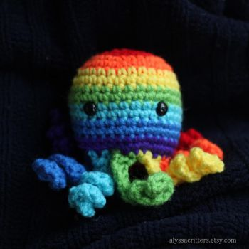 Rainbow Octopus Amigurumi by alyssacritt