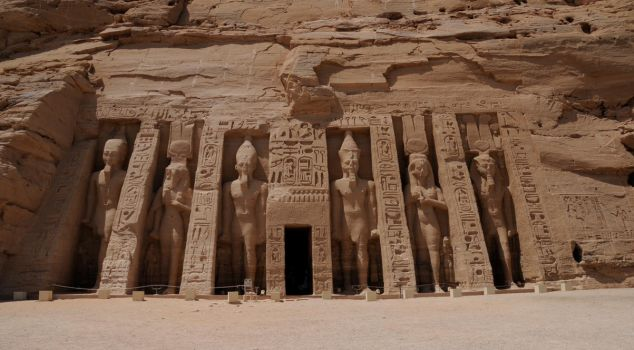 Second Abu Simbel Temple by AndySerrano