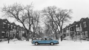 the blue Volvo - Montreal by PasoLibre