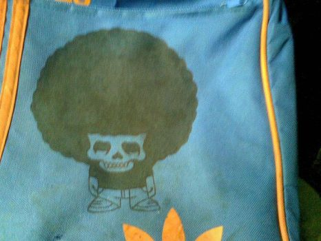 Afro skull on my bag by Simone0924