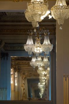 Chandelier Infinity by sequential