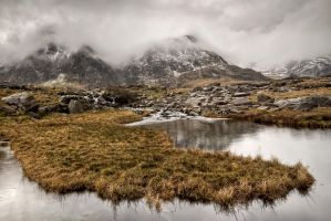 Idwal in the mist by CharmingPhotography