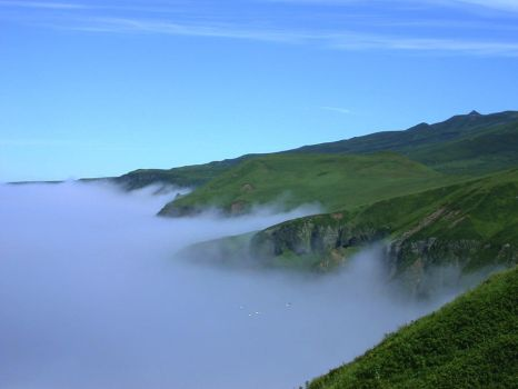 Coastline Hugging Fog by Eliasome
