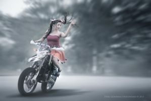 Supermoto Babe by perigunawan
