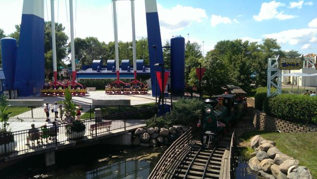 Xtreme Swing and Minnesota River Valley Railroad by Dylnmatrix