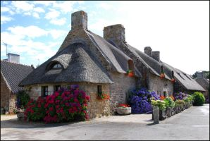 Thatched Cottage in Brittany by gwenoder
