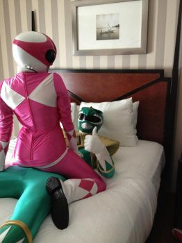 pink ranger and green ranger 1 by krazyminor2011