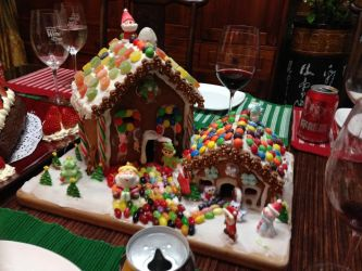 gingerbread house by jherqin