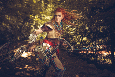 Aloy in action by MsSkunk