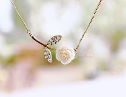 her necklace by na3sat