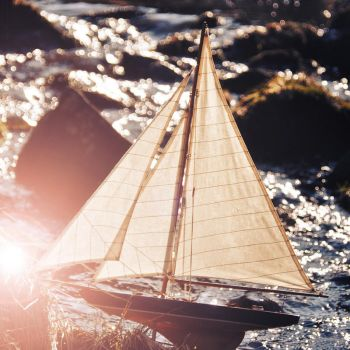 the dream of a boat by Holunder