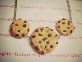 Chocolate Chip Cookies Necklace by efeeha