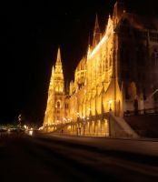Budapest Parliament by TitusBoy25