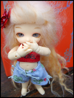 .:Suika:. A Small Hello by Cesia
