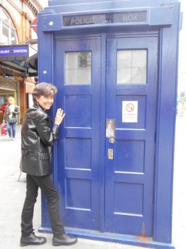 The Tardis and I (Ninth Doctor) by PilarErika