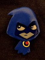 Chibi Raven is not amused by HeyLookASign