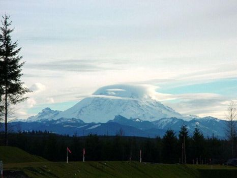 Mt Rainier with her hat on by rapidograph