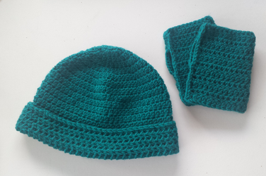 folded cuff beanie and fingerless gloves by UnbridledMuse