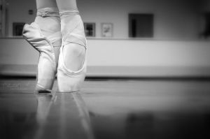 On Pointe by ElisabethAnna